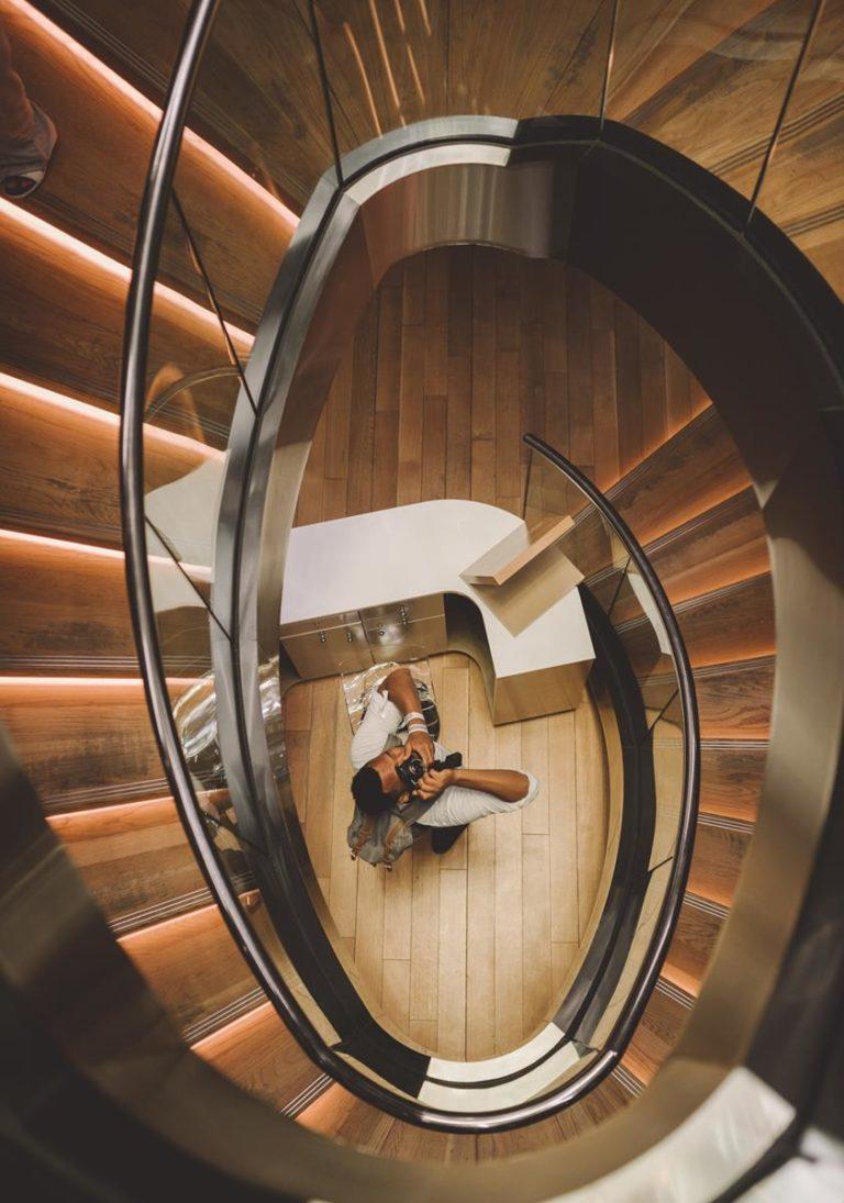 Trwałe i odporne na uszkodzenia schody i balustrady ze szkła